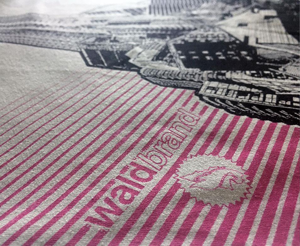 Mont Urbain | 2-farbiger Siebdruck auf hellgrauem T-Shirt aus Biobaumwolle